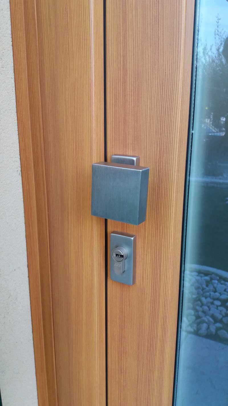 finitura-magniglia-porta-alluminio